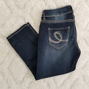 Seven cropped stretchy  jeans sz 4